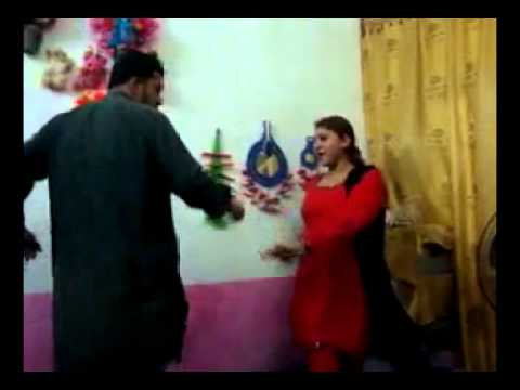 Shahi Syed  pathan girl muskan and wali khan ANP dance Mardan House .flv