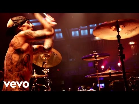 Travis Barker, Yelawolf - Push 'em video