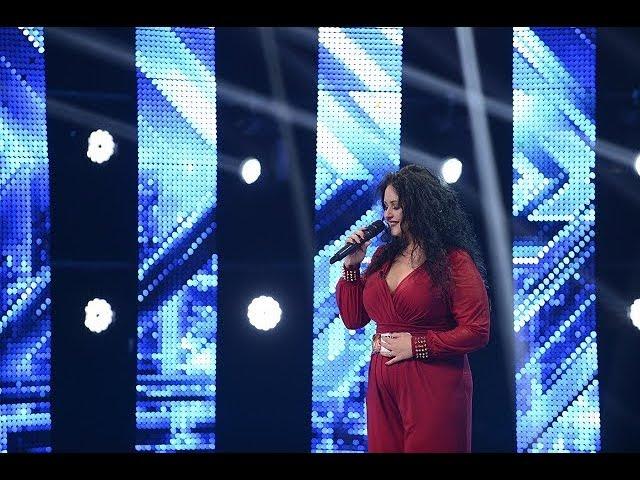 Celine Dion - I surrender. Vezi aici cum cântă Voinea Florina, la X Factor!