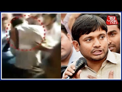 Man shows Black Flag To JNU's Kanhaiya In Patna, Beaten Up