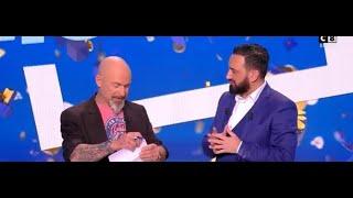 Touche pas à mon poste!: Vincent Lagaf' signe son contrat en direct sur C8