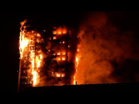 Incendio de gran magnitud consume edificio de 24 pisos en Londres Video Hay personas atrapadas