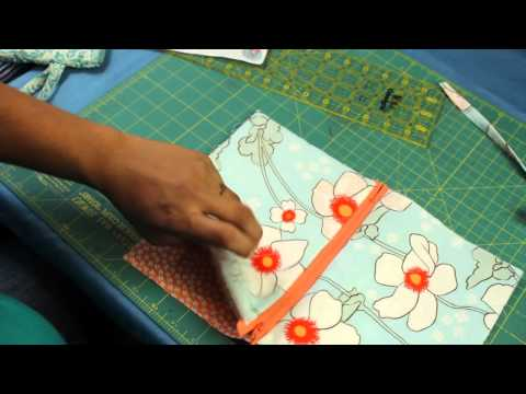 how-to-make-a-zipper-wristlet-or-makeup-cosmetic-bag-pouch.html