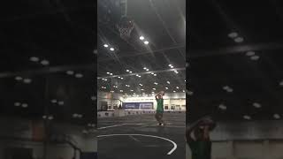 WTC Sam praktis shooting basketball