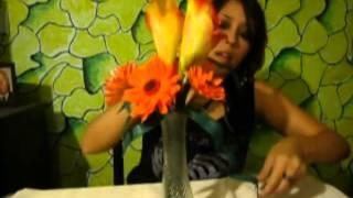 Arreglo floral con gerberas y calas en goma eva o faomy - Simple