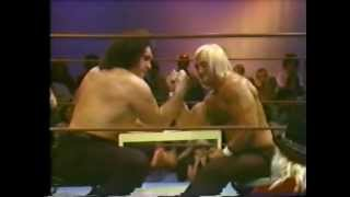 Hulk Hogan vs. Andre the Giant (Arm wrestling classic match)