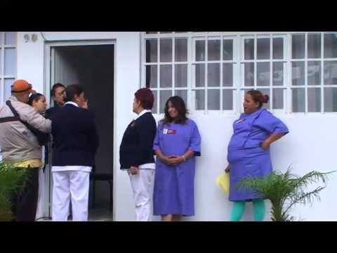 Uruapan.-Uruapan atiende a mujeres de San Lorenzo. Les realizan exámenes de papanicolaou