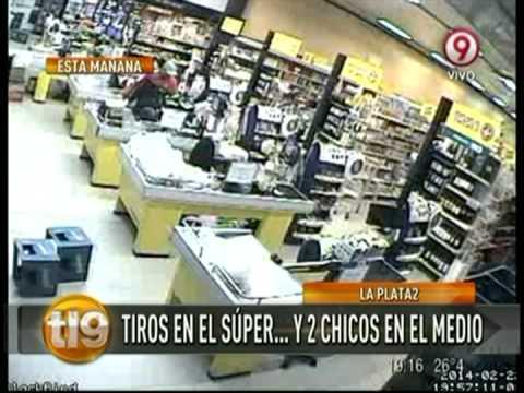 Imágenes impactantes del robo de un supermercado en La Plata