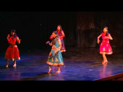Chikni Chamelis final performance at Humse Badkar Kaun Finale...