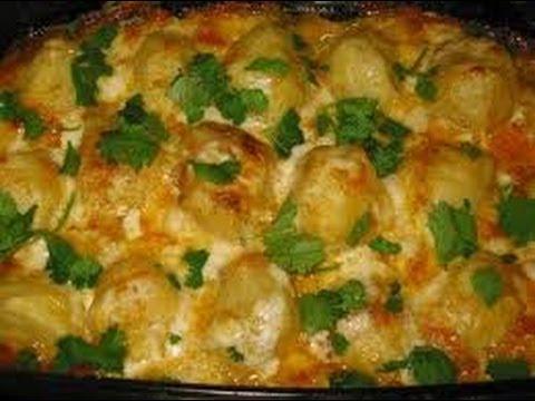 Картошка в духовке (очень вкусная)         Potatoes in the oven (very tasty)