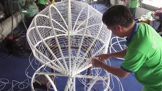 Hướng dẫn từng bước cách đan ghế xích đu trứng nhựa giả mây sân vườn