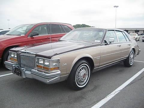 1981 Cadillac Seville 6.0 Fuel Injection Start Up. Engine. and In Depth Tour