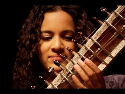 Anoushka Shankar plays 'Pancham Se Gara' Music Videos