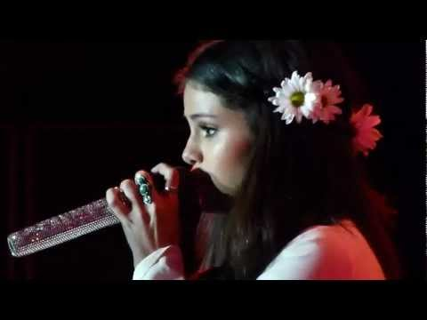 Selena Gomez who Says [concierto Para Unicef] video