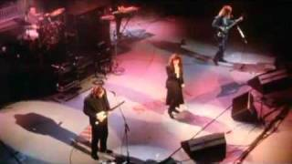 """Kate Bush & David Gilmour """"Running Up That Hill"""" Live 1987"""