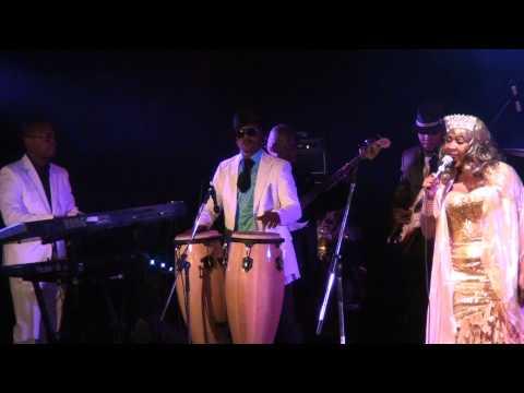 Le Montréal Africain présente Mbilia Bel au Cabaret du Mile End Montreal