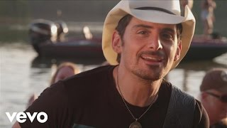 Watch Brad Paisley River Bank video