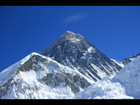 Nervous return to everest a year after deadly avalanche