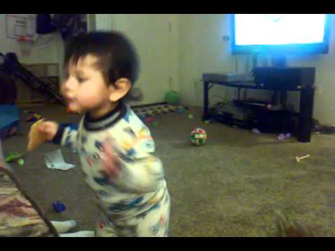 Jr Loves Bugs Yo Gabba Gabba video