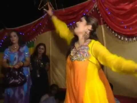 Ring Ring Ringa From Wedding Karachi Dance video