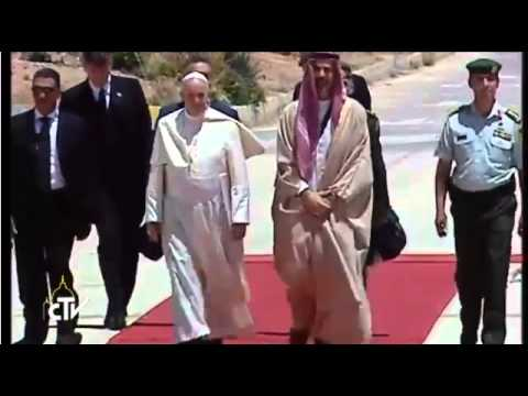 Pope Francis arrives in Jordan to begin Middle East trip