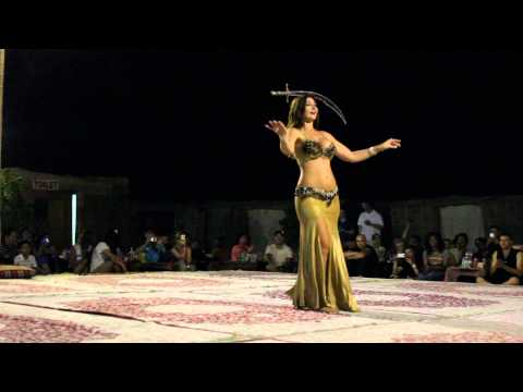 Arabian Belly Dance - This Girl Is Insane! video