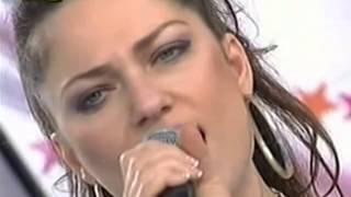 Aphrodite on Antennas Proinos Kafes sings  Cry