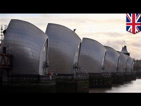 How does the Thames barrier protect London from floodings
