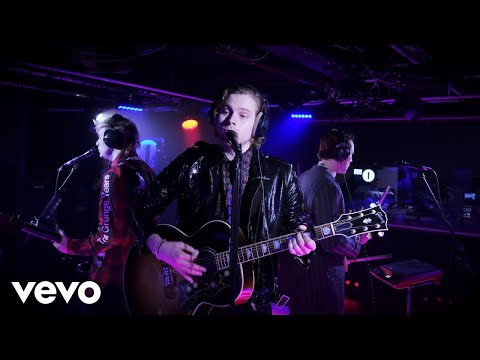 Download  5 Seconds of Summer - Dancing With A Stranger in the Live Lounge Gratis, download lagu terbaru