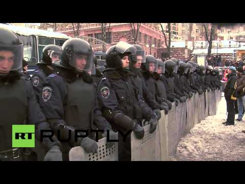 Ukraine: Heavy police presence surrounds Kiev's protesters