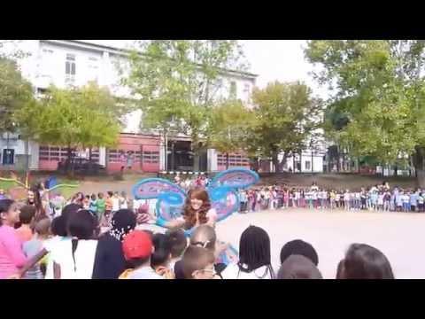 As Winx fazem uma surpresa � Escola EB1 Queluz n� 2!
