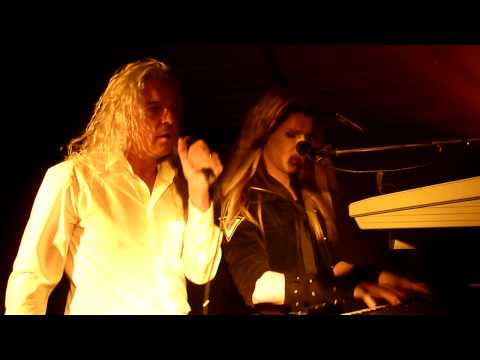 Robby Valentine & Peter Strykes - How Could I Touch The Sky (live)