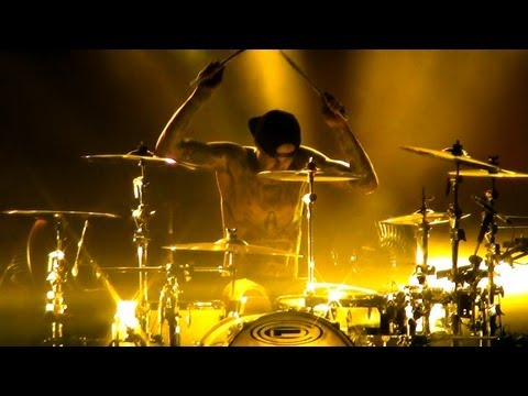 Travis Barker Drum Solo (barcelona 2012) Hd video
