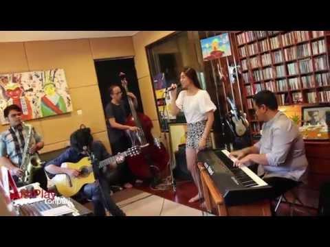 monita & the nightingales : just play