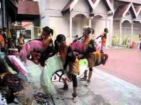 Kuda Kepang ~ Mula Naek ...mabuk Terus!!! video
