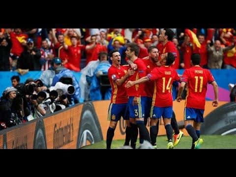 España debutó con un sufrido triunfo sobre la hora ante República Checa