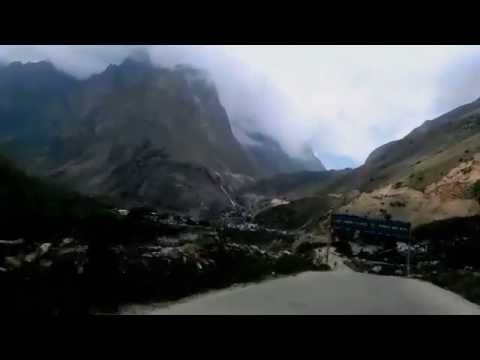 The way to Mana Village from Badrinath