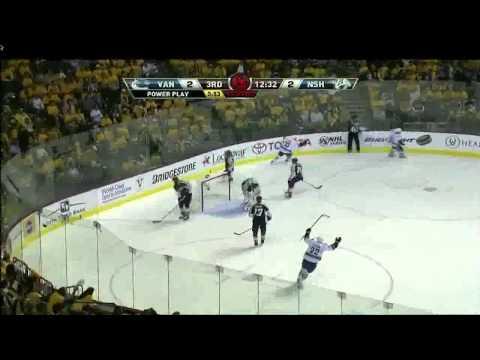 Ryan Kesler 3-2 Goal - Vancouver Canucks @ Nashville Predators 2011 Semifinals Game 4