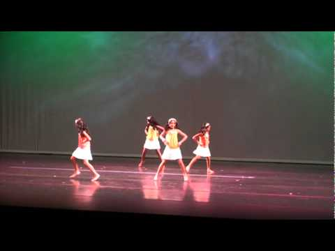 Chale Jaise Hawayein - Group Dance By Varshinee & Friends - Ian August 2011 video