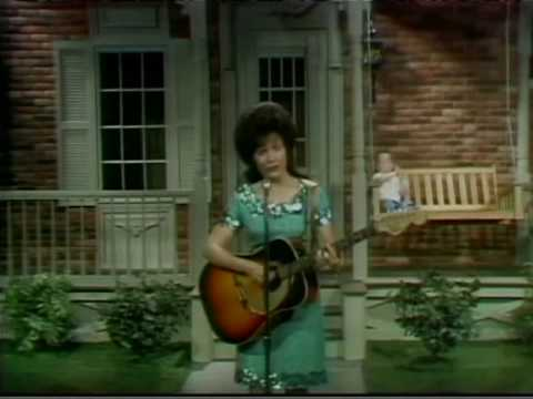 Loretta Lynn - Bargain Basement Dress