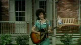 Watch Loretta Lynn Bargain Basement Dress video