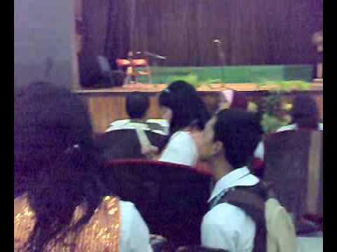 tari bugil on stage