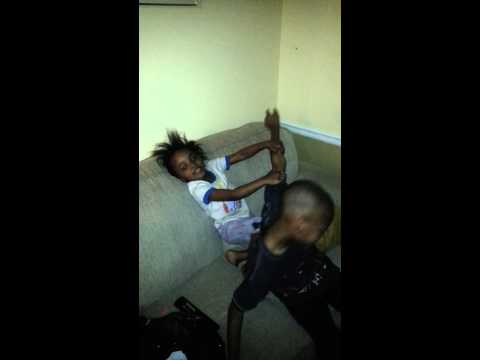 A Four Year Old Slap The Fuck Out Of A 10 Year Old video