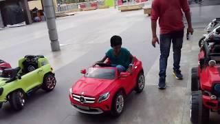 kids remote car drive by small kid in delhi big bazaar.funny drive