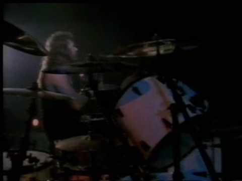 james hetfield vs lars ulrich drum fight live