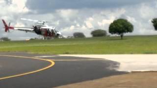 Piloto Esquadrilha da Fumaça Brincando com o Helicóptero Águia (((SJRP)))