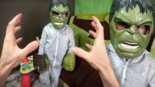 THERE'S A MINI HULK IN MY HOUSE! Marvel Super Heroes Toys - Hulk & Thor Ragnarok
