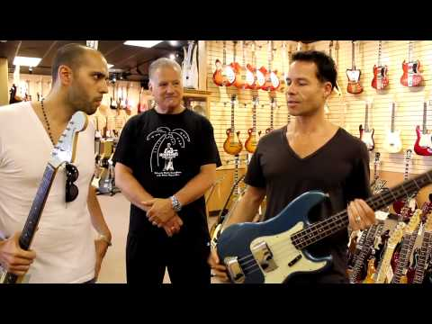 Guy Pearce visits Norman's Rare Guitars