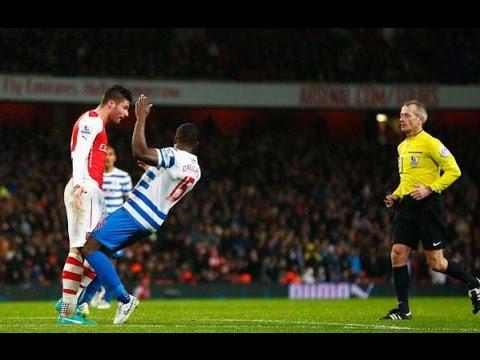 Arsenal - QPR - Olivier Giroud Headbutt