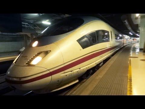 http://videotren.com/ Llegada y salida de tren Velaro renfe 103 de Barcelona Sants. Arrival and departure Velaro train from Barcelona Sants RENFE 103.